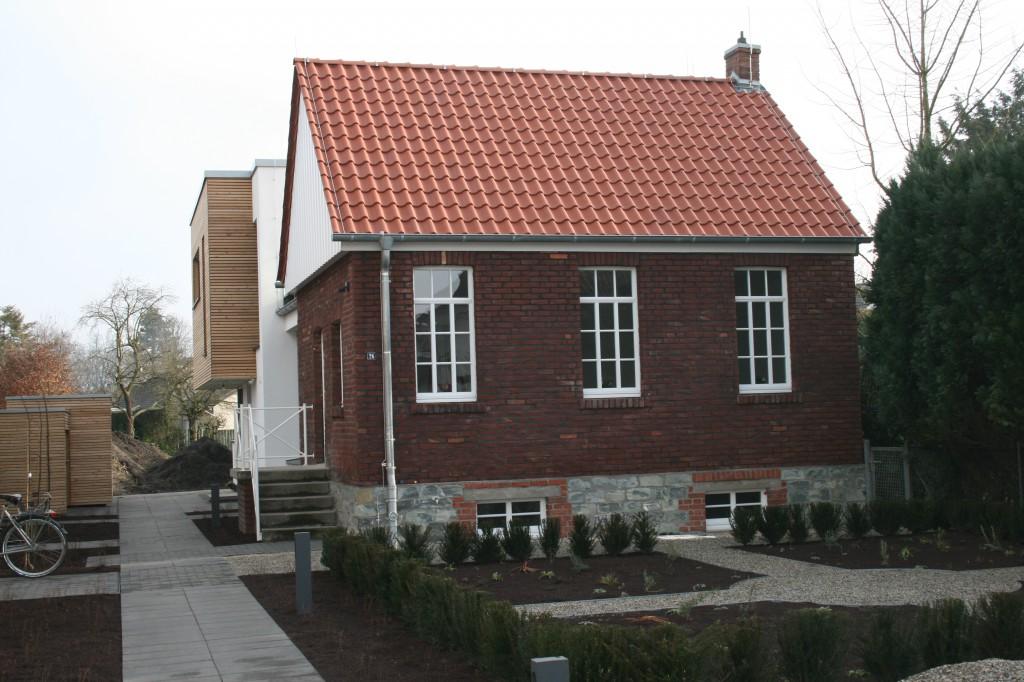 Atelier mit Vorgarten